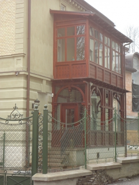 Балкони та веранди
