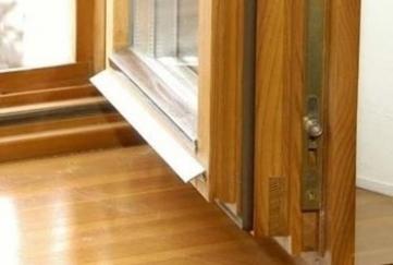 Реставрація та ремонт дерев'яних вікон з склопакетом