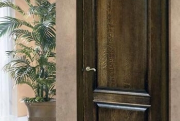 Соснові двері на замовлення у Львові